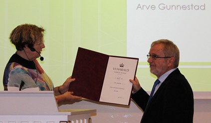 Professor Arve Gunnestad receives The King`s Medal of Merit