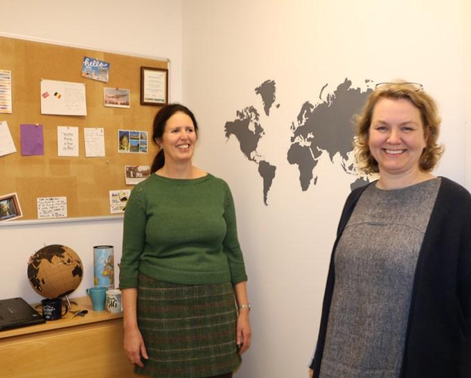 Høyskolelektor Marianne Schram og førstelektor Gjertrud Stordal er ansvarlig for 3. årsstudentene som har valgt internasjonal fordypning ved DMMH.